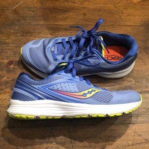 EUC Saucony Running Shoes sz 7.5
